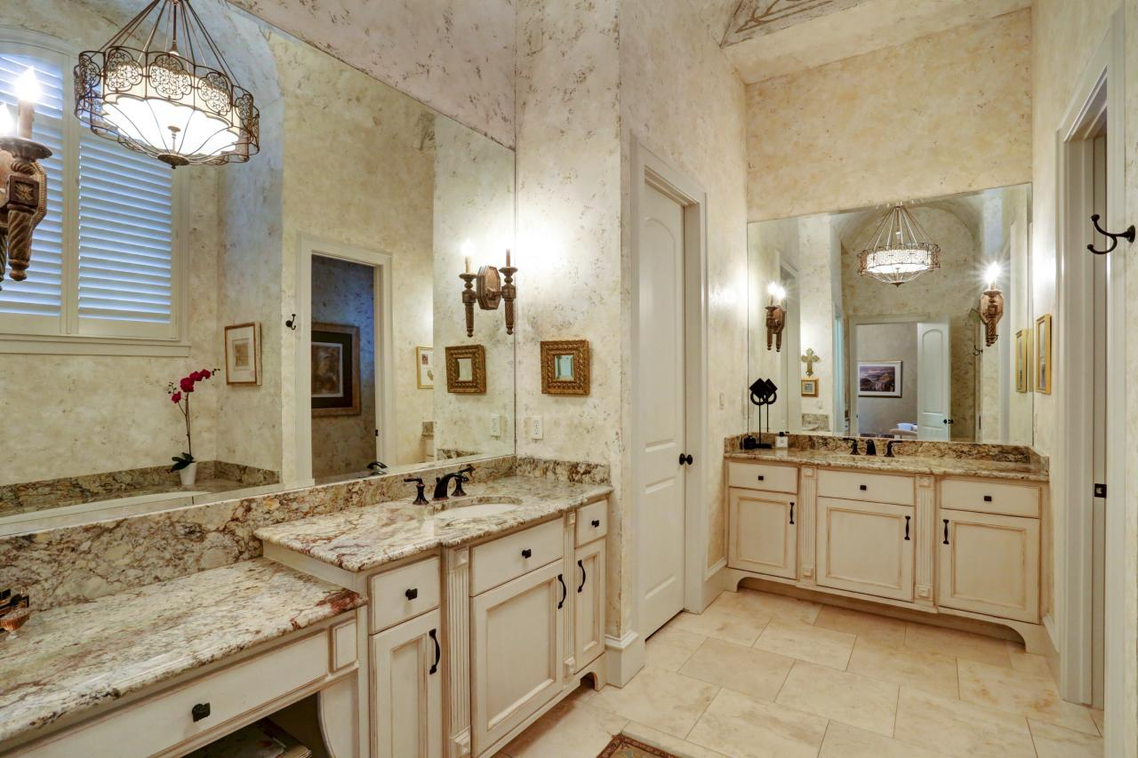 Traditional Double Vanity Bathroom With Brown Granite