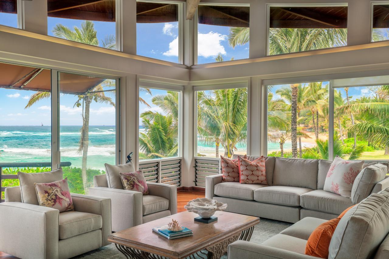Hawaii life hgtv for Island home designs hawaii