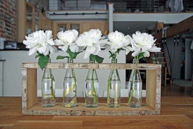Make a bottle centerpiece using only a few materials and tools.