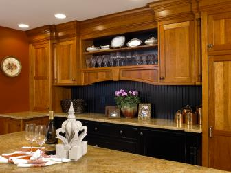 Beautiful Wood Cabinets in Elegant Traditional Kitchen