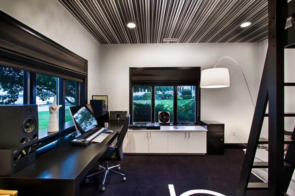 Black and White Modern Home Office