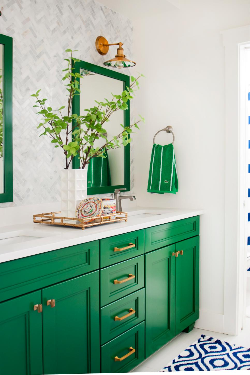 bathroom colors for 2015 20 hues for bathrooms hgtv 15741