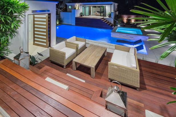 Contemporary Deck and Pool
