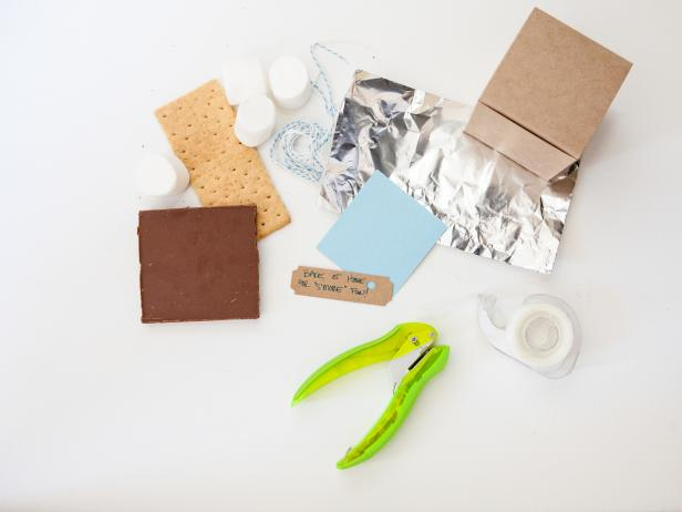 DIY S'mores Party Favor Boxes: Step 1