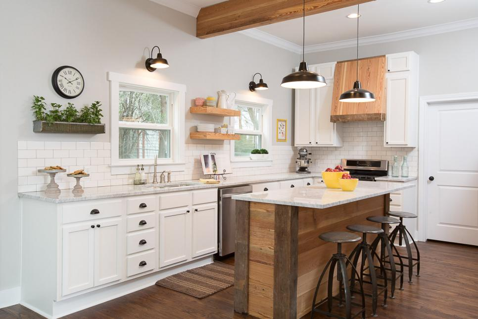 Amazing BeforeandAfter Kitchen Remodels HGTV - Property brothers kitchen remodels
