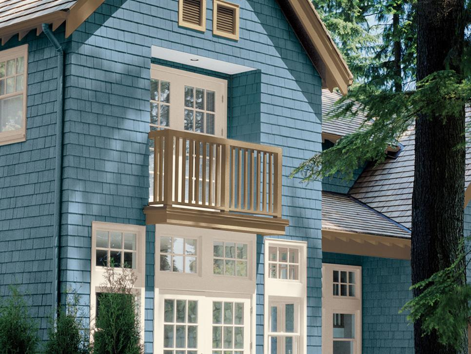 House Exterior: 28 Inviting Home Exterior Color Ideas