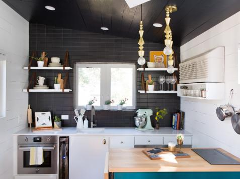 9 Teeny-Tiny Kitchens Packed With Character