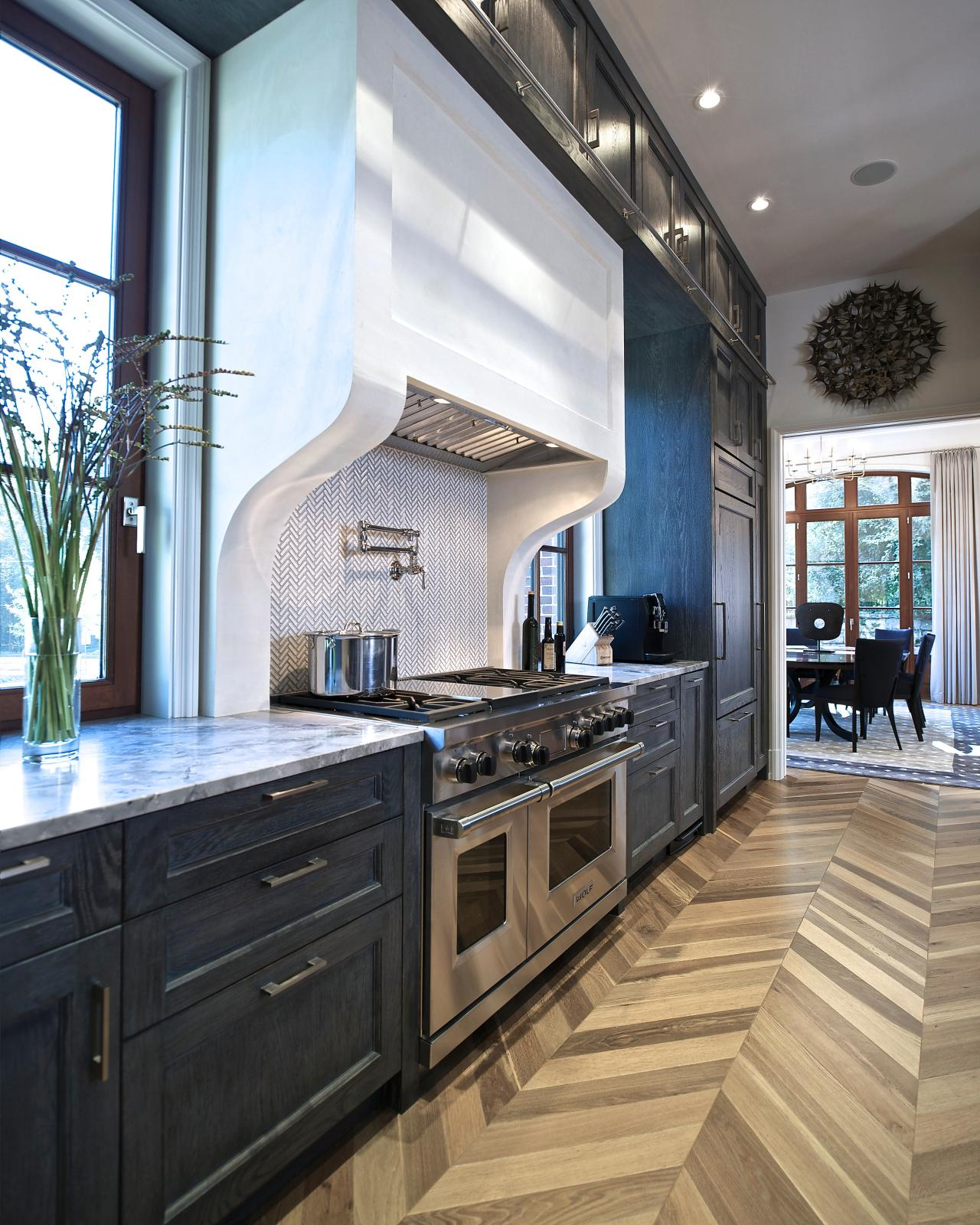 Repainting Kitchen Cabinets Pictures Ideas From Hgtv: Transitional Kitchen Boasts High-Contrast Look