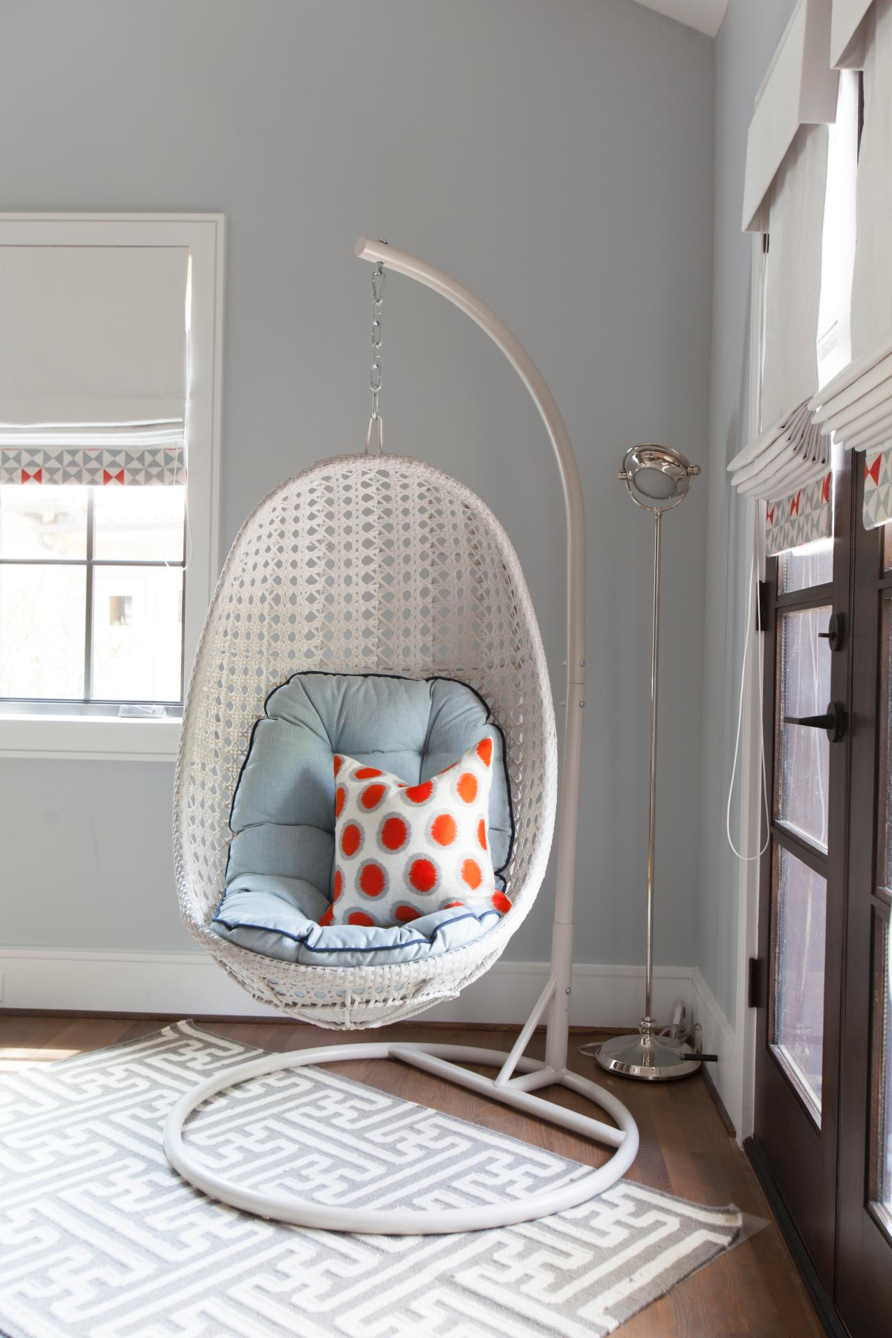 hanging chair for room Hanging Chairs in Bedrooms   Hanging Chairs in Kids' Rooms  hanging chair for room