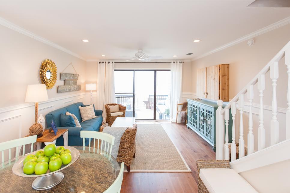 A DIY Beachfront Living Room Reno With Nautical Details | Beach ...