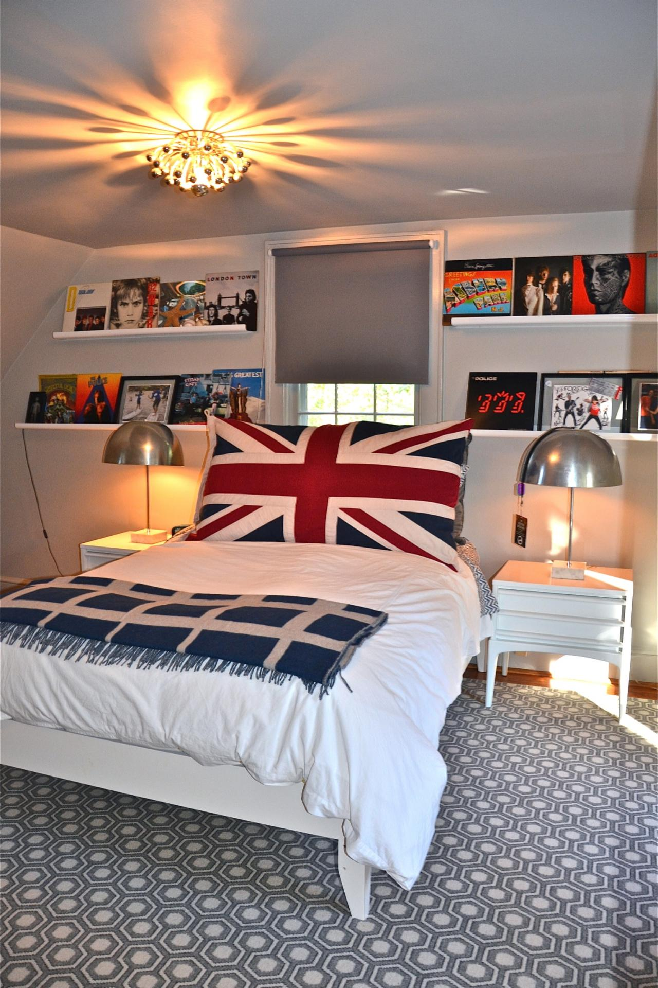 Sophisticated Teen Bedroom Decorating Ideas | HGTV's ... on Teen Room Decoration  id=73059