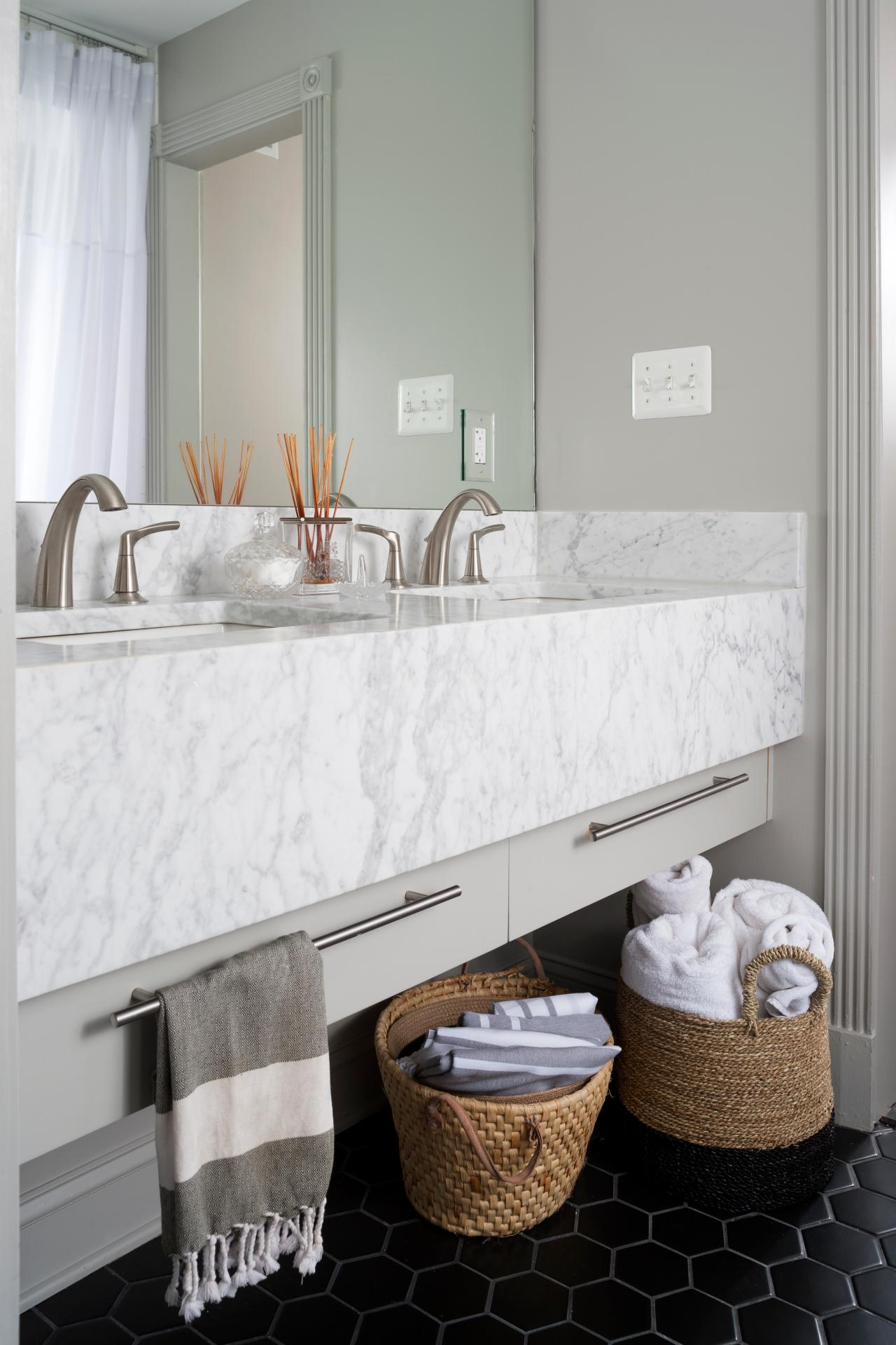 marble bathrooms we re swooning over hgtv s decorating design rh hgtv com black and white marble floor bathrooms black and white marble floor bathrooms