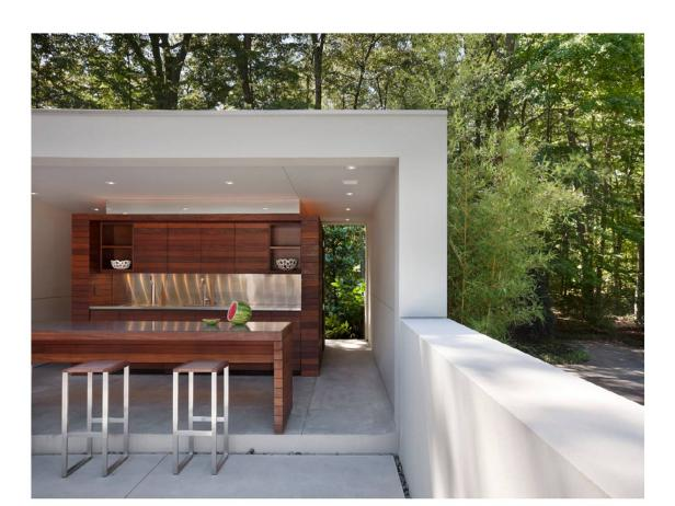 White Modern Outdoor Kitchen