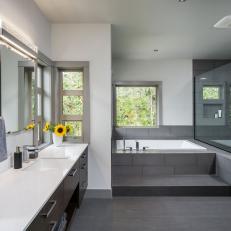 Superbe Luxurious, Contemporary Master Bathroom