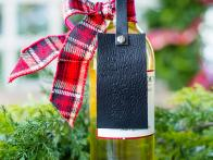 10 Ways to Dress Up a Wine Bottle
