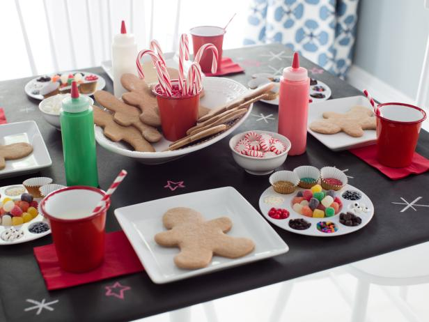gingerbread cookie decorating party - Christmas Cookie Decorating Party