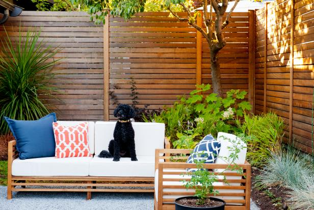 Modern Seattle Courtyard with Outdoor Furniture