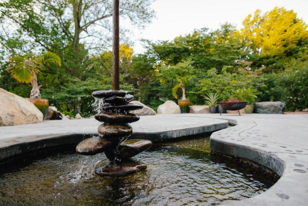 Round River Stone Patio Fountain