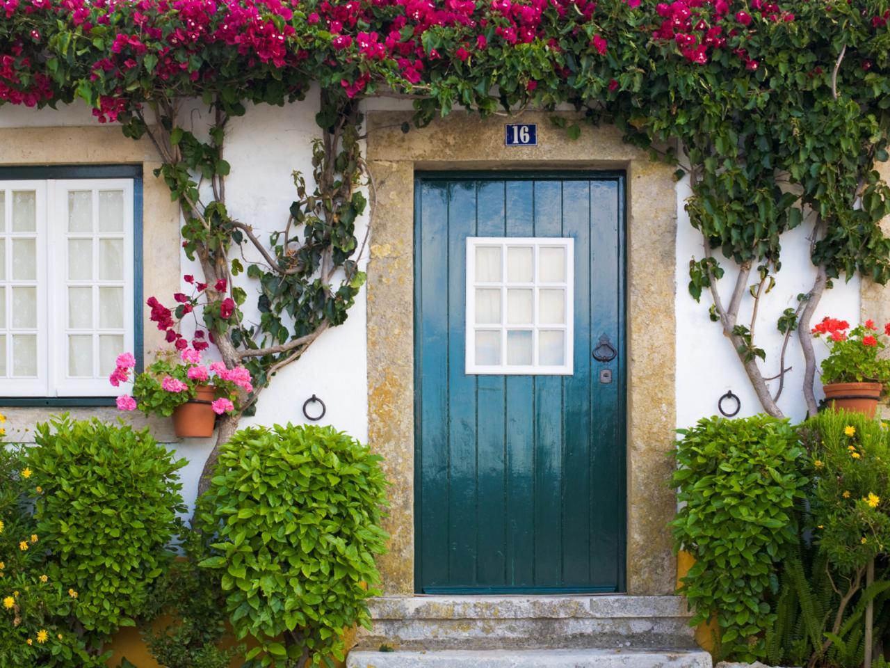 Read This Before You Paint Your Front Door DIY