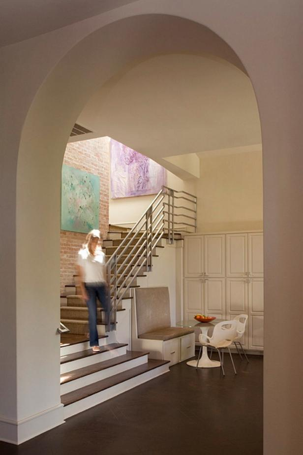 Arched Entryway Leads to Stairwell