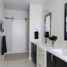 White, Traditional Master Bath with Sliding Door
