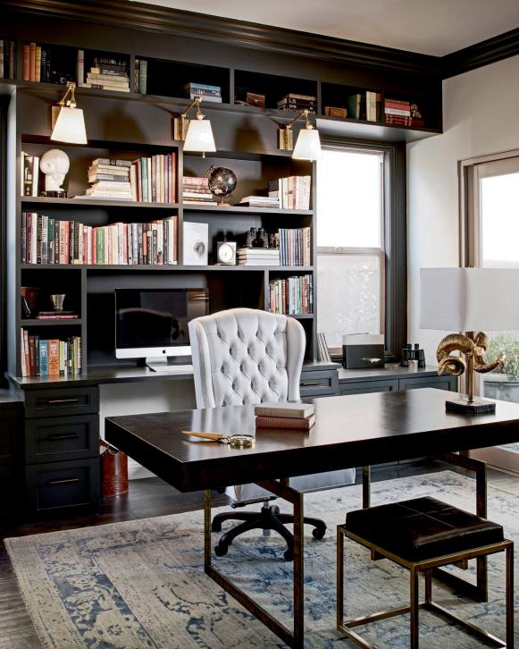 Traditional Home Office With Gray Rug