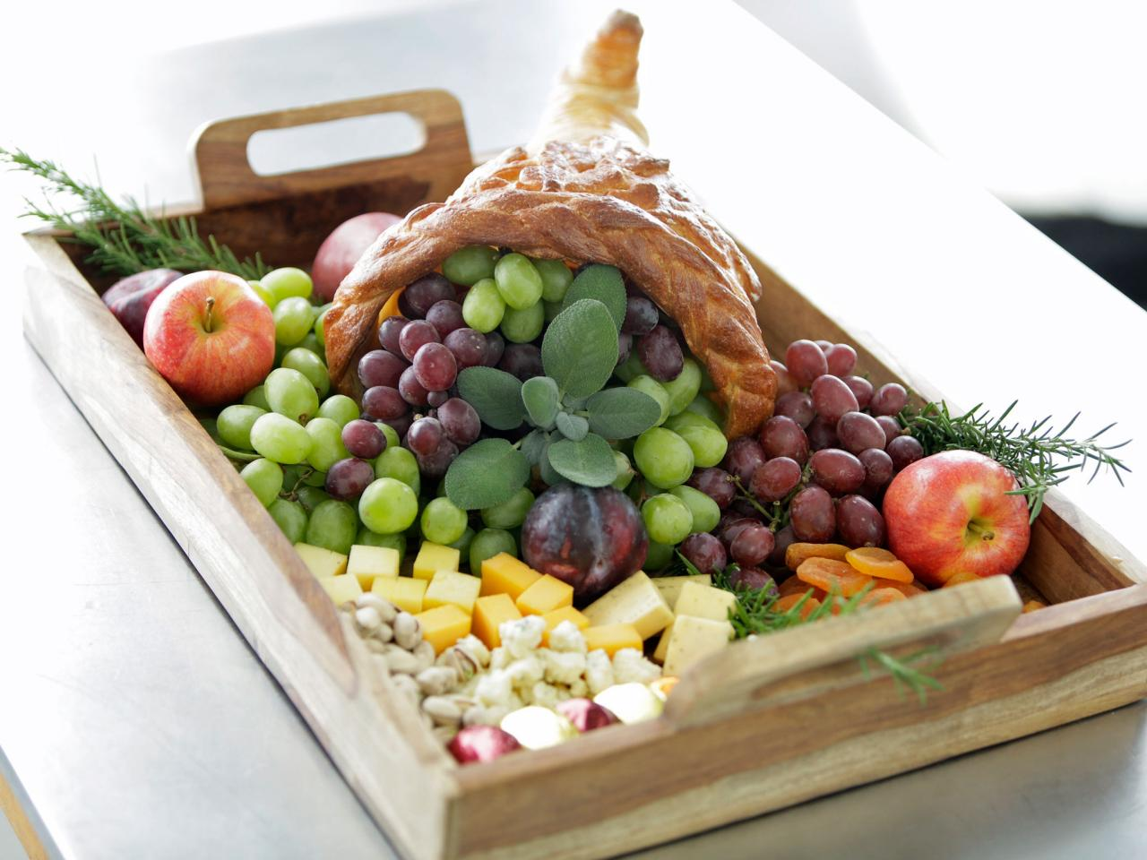 Edible Thanksgiving Centerpiece Make A Bread Cornucopia Hgtv