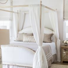 White Cottage Bedroom With Canopy Bed