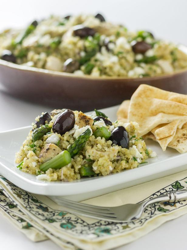 Mediterranean Chicken and Quinoa Salad With Asparagus and Olives