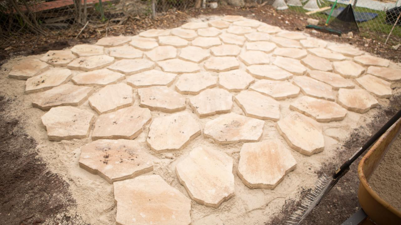 Add outdoor living space with a diy paver patio hgtv diy paver patio solutioingenieria