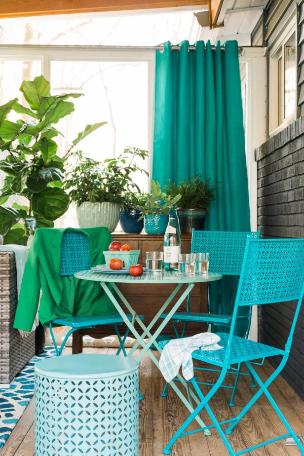 HGTV Spring House 2016: Screened Porch With Bistro Set