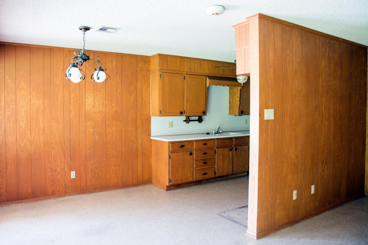 Before and after kitchen photos from hgtv 39 s fixer upper for Kitchen design 70s