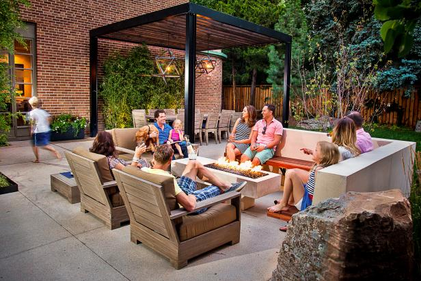 Family-friendly Outdoor Living Area with Seating and Fire Pit