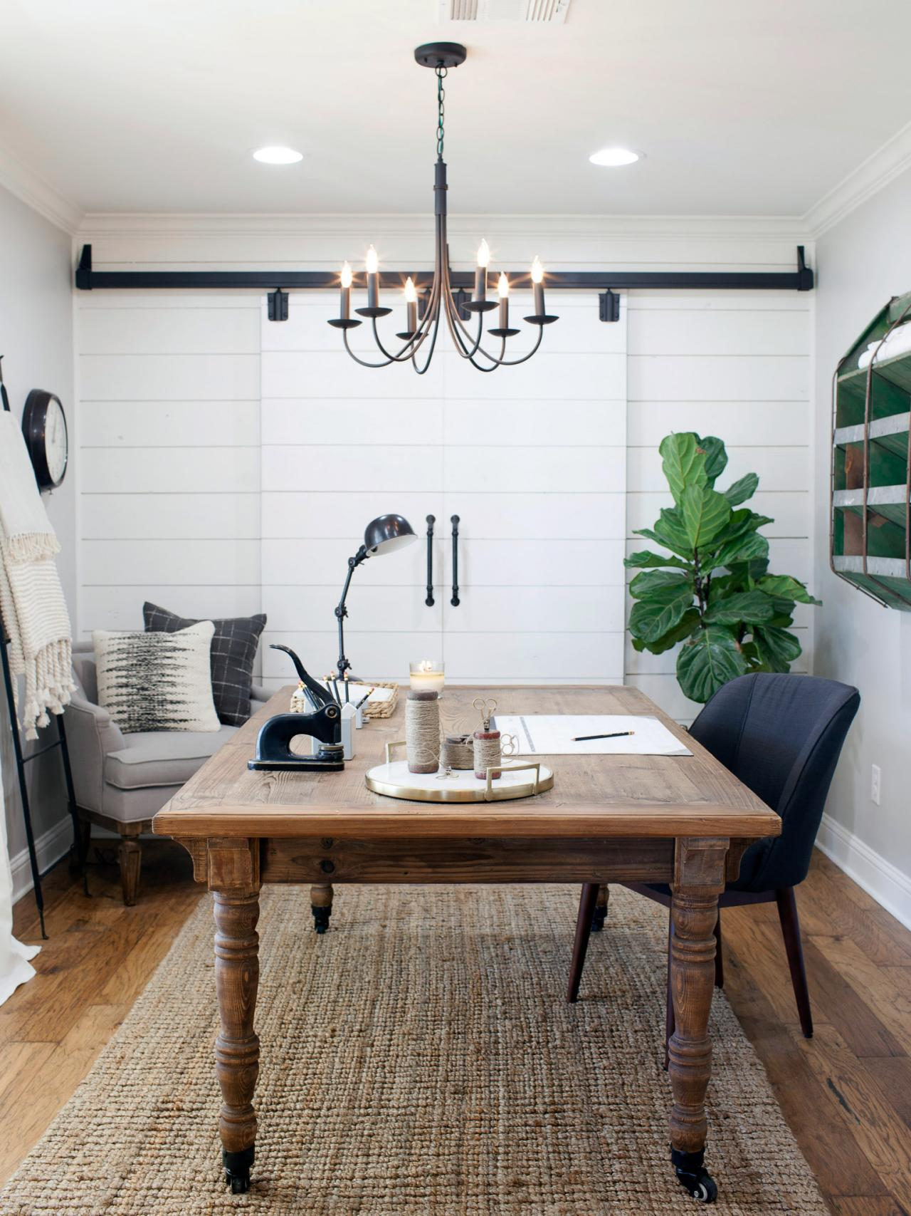 How to Use Shiplap in Every Room of Your Home | HGTV\'s Decorating ...