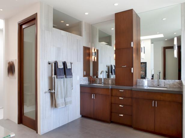 Contemporary Bathroom With Lots of Storage Space