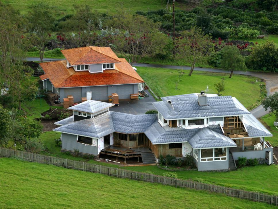 Celebrities Living in Hawaii | Famous People in Maui Hawaii
