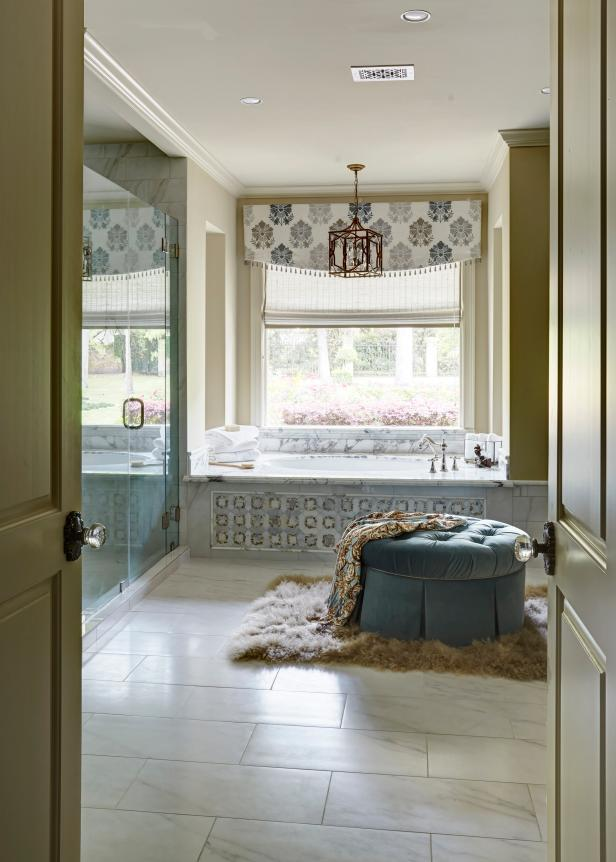 Neutral Traditional Master Bathroom
