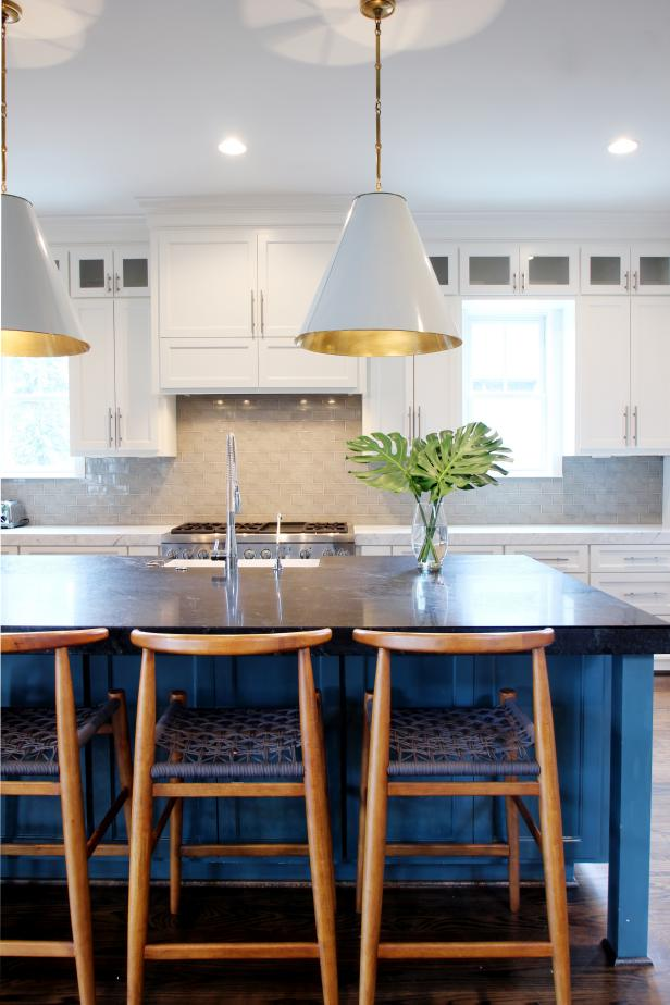 Contemporary White Kitchen With Blue Island