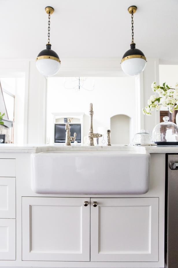white farmhouse kitchen sink - White Farmhouse Kitchen