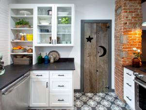 Vintage Features in an Updated, Farmhouse Kitchen