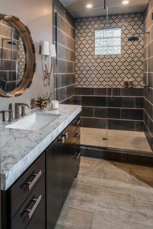 Stylish Gray Bathroom With Black Amp White Walk In Shower