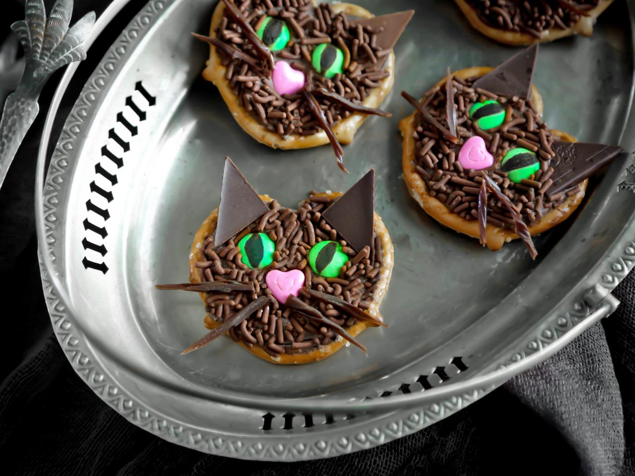 Black Cat Pretzels
