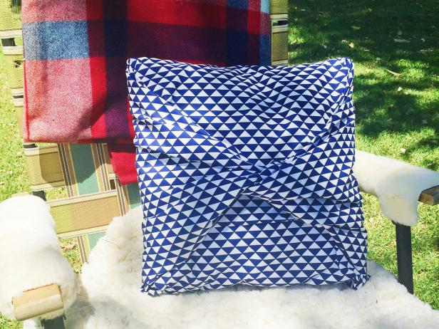 How to make a no sew pillow cover hgtv Sew bolster pillow cover