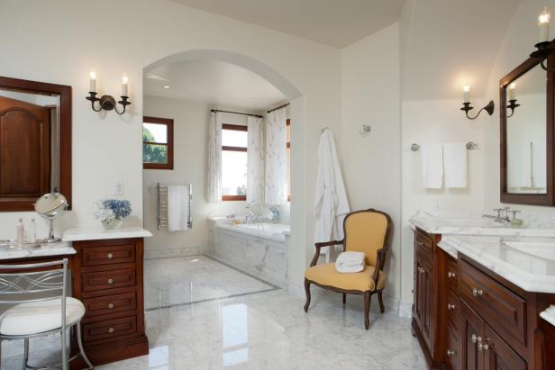 Traditional, Spa-Like Master Bathroom
