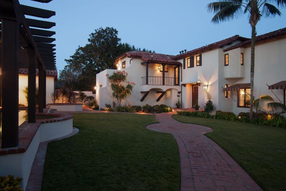 Spanish Colonial Revival Home With Front Courtyard
