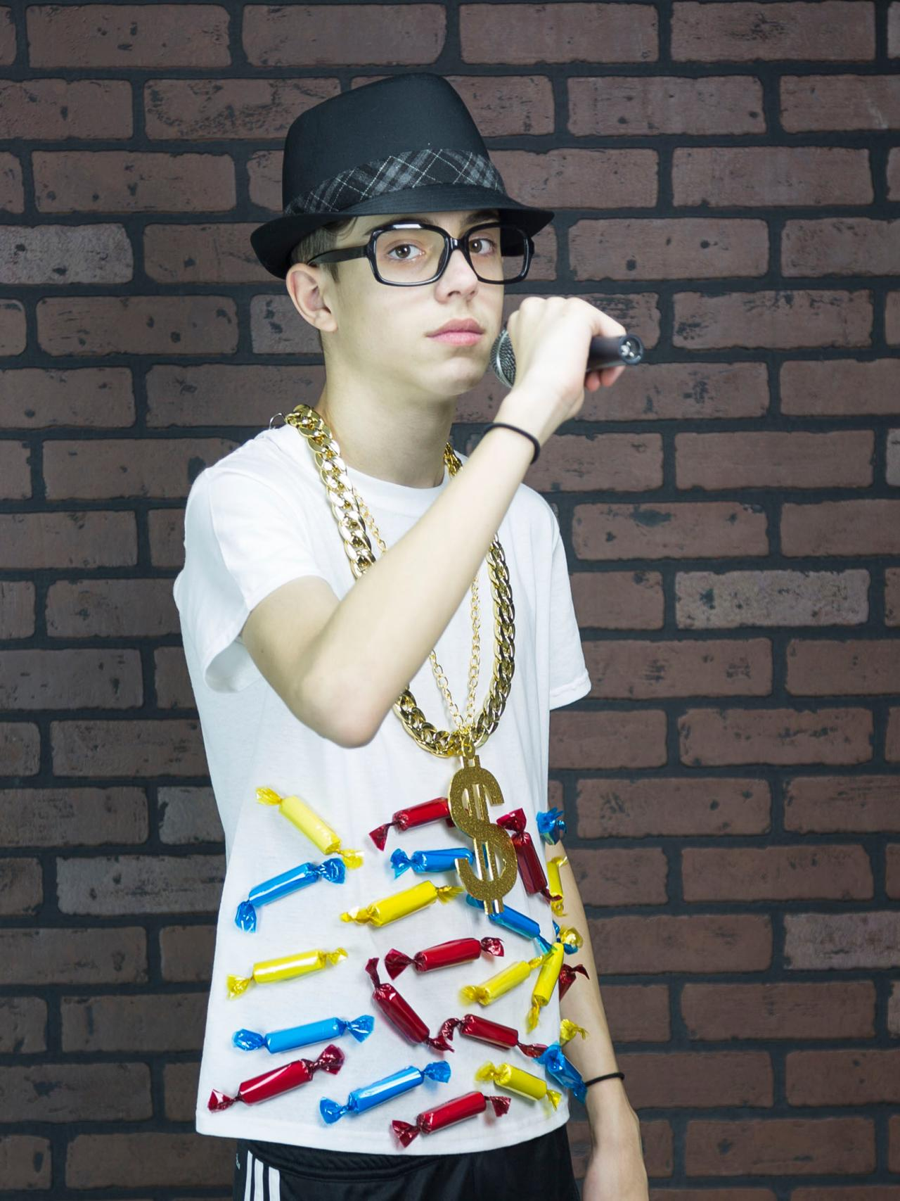 easy budget halloween costume: hip hop candy rapper | how-tos | diy