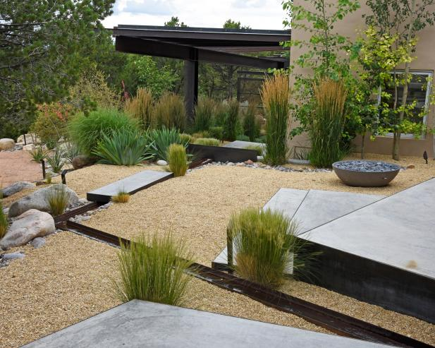 Modern Yard With Gravel and Grasses