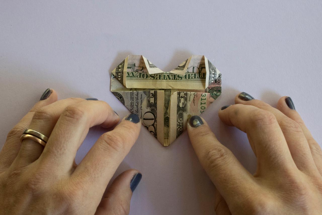 How to Fold a Dollar Bill Into an Origami Heart | HGTV - photo#36