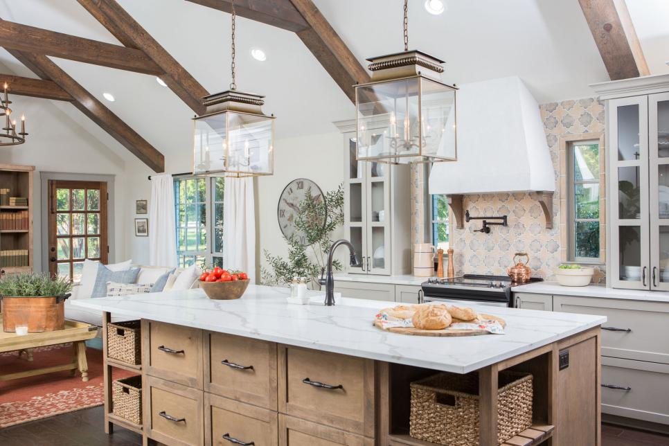 French Country decor in a kitchen renovation by Fixer Upper's Joanna Gaines. #frenchcountry #kitchendesign #farmhousestyle