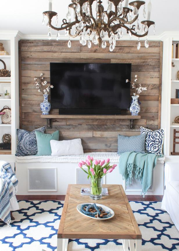 Living Room With DIY Pallet Wall, Storage Bench, Built-Ins